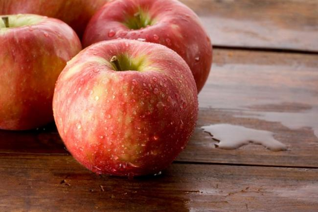 Vitamins and Minerals in Apples
